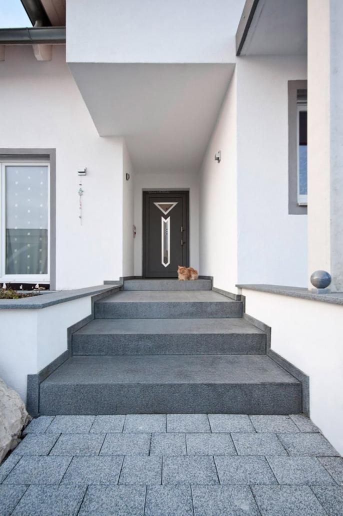 Naturstein Eingangstreppe