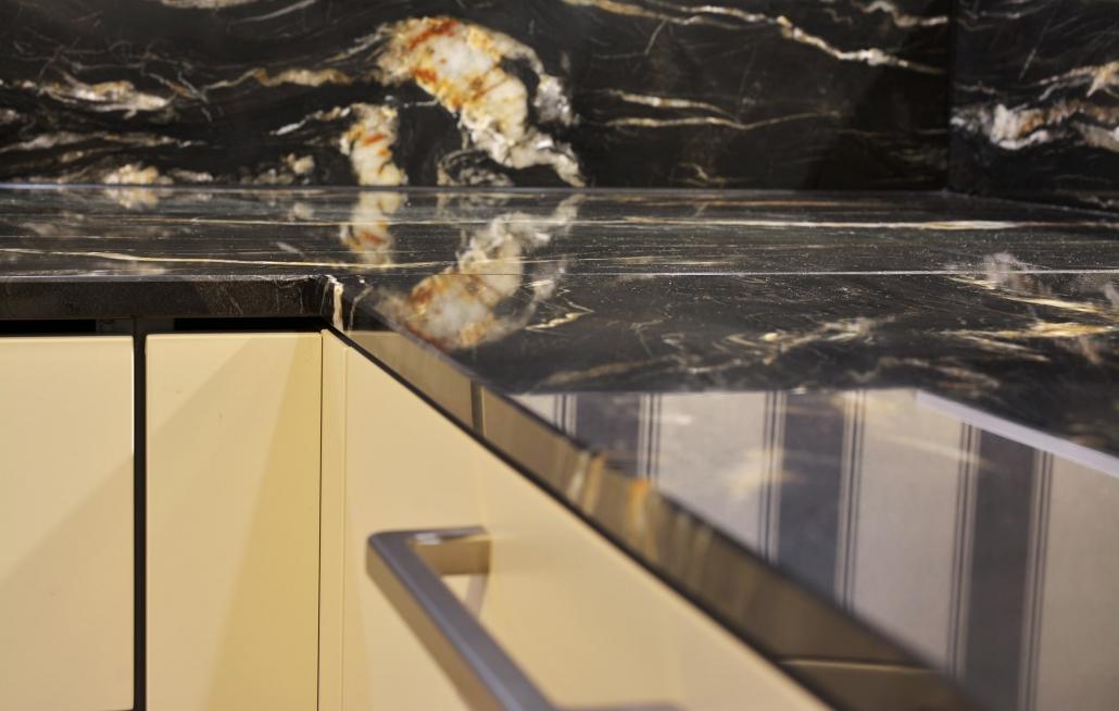Küchenarbeitsplatte und Rückwand - Belvedere - Oberfläche poliert