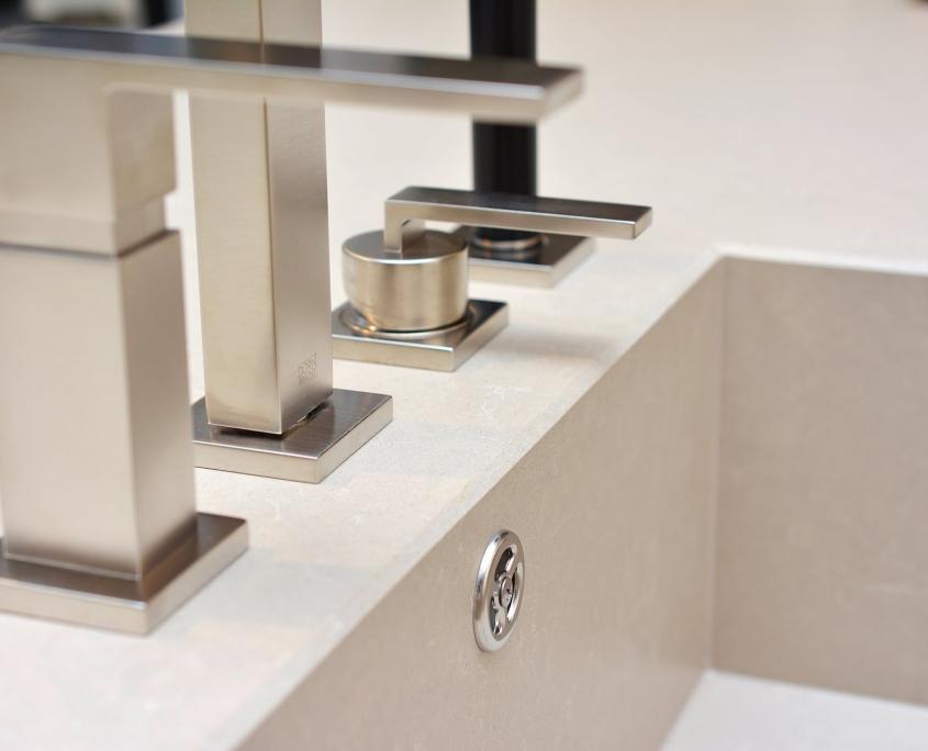 Silestone Küchenarbeitsplatte mit Spülbecken - auf Gehrung eingearbeitet